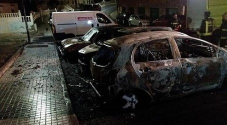Cuatro vehículos arden de madrugada en Arguineguín