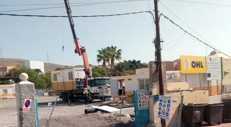 Una línea de baja tensión y otra de teléfono impiden el inicio de las obras en la guardería de Arguinguín
