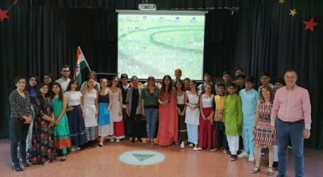 Alumnado de la India celebra un intercambio escolar y cultural con estudiantes del IES Vecindario