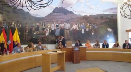Dunia González se reúne con Santiago Rodríguez para trasladarle la situación de los principales temas del municipio