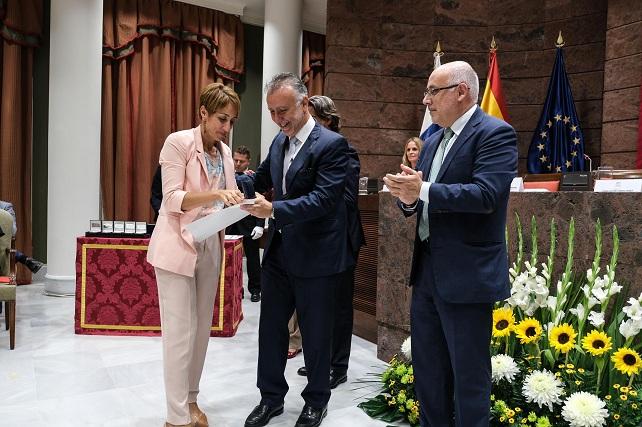Onalia Bueno, Ángel Víctor Torres y Antonio Morales