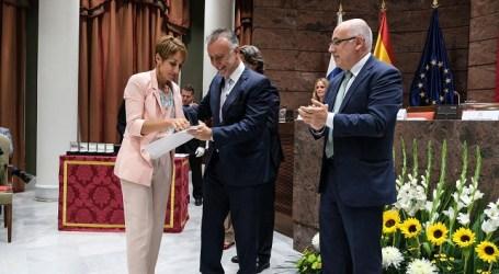 Policía Local y Protección Civil de Mogán reciben el reconocimiento por su labor en los incendios de Gran Canaria