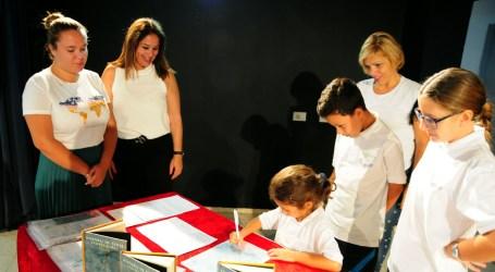Alumnos de 6º del CEIP Santa Águeda apadrinan a escolares lectores de cinco años