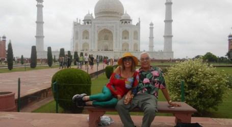 Luis León Barreto y Rosario Valcárcel, en India