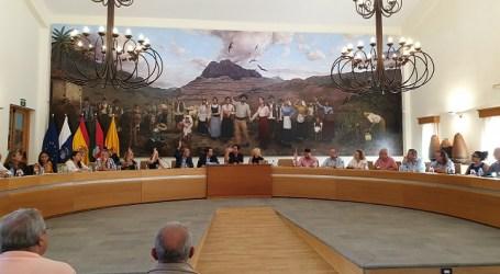 El pleno municipal rechaza la recusación del alcalde de Santa Lucía presentada por el secretario de AV
