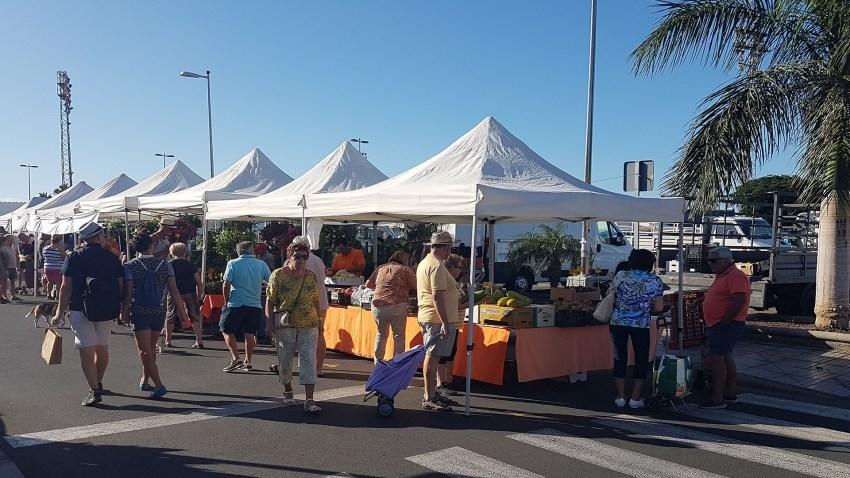 El Mercado Agrícola de San Fernando de Maspalomas retomará este domingo su actividad Para cumplir las medidas de seguridad establecidas, se perimetrará con vallas el recinto y se habilitará una zona de acceso y otra de salida