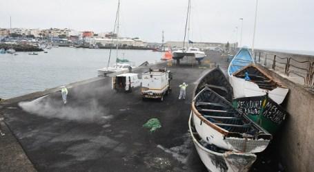 El Ayuntamiento de Mogán desinfecta el Muelle el Arguineguín