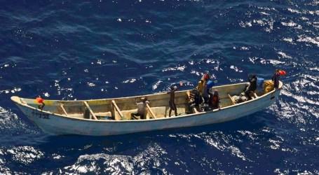 Llegan al sur de Gran Canaria cinco pateras y Salvamento Marítimo busca a otra