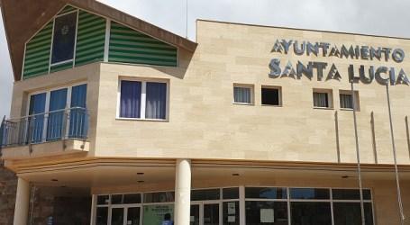 Santa Lucía cierra mercadillos municipales y realiza la limpieza y desinfección diaria de las zonas más transitadas
