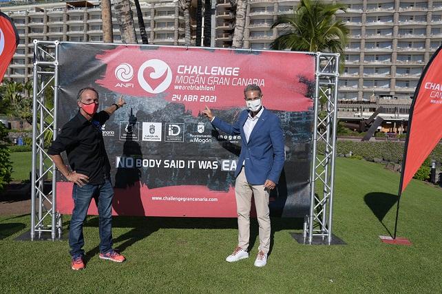 El Challenge de Mogán será el primer triatlón de media distancia que se celebre en Europa tras la pandemia El Grupo Anfi será el principal patrocinador privado de esta edición, en la que continúan el Instituto Insular de Deportes, el Ayuntamiento de Mogán y el Patronato de Turismo de Gran Canaria