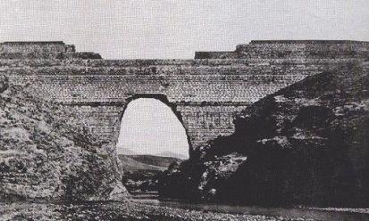 Fallo de la presa de puentes. Origen de la ingenieria civil.