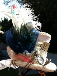 """Alt=""""alice in wonderland steampunk hat"""""""