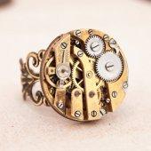 """alt=""""steampunk watchwork ring"""""""