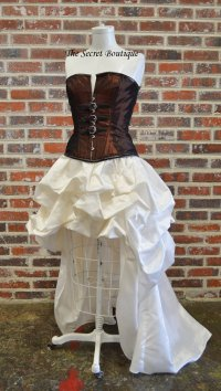 "alt=""steampunk wedding dress"""