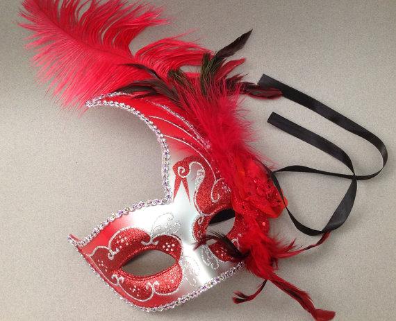 """alt=""""christmas masquerade mask"""""""