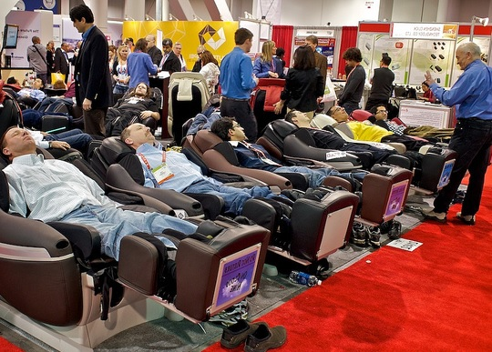 massage chair store small chairs for living rooms features and specifications of top to help you make comparisons