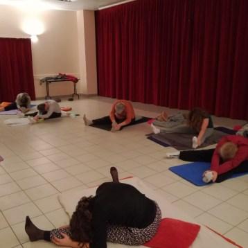 yoga-adulytes-posture-pince-assise