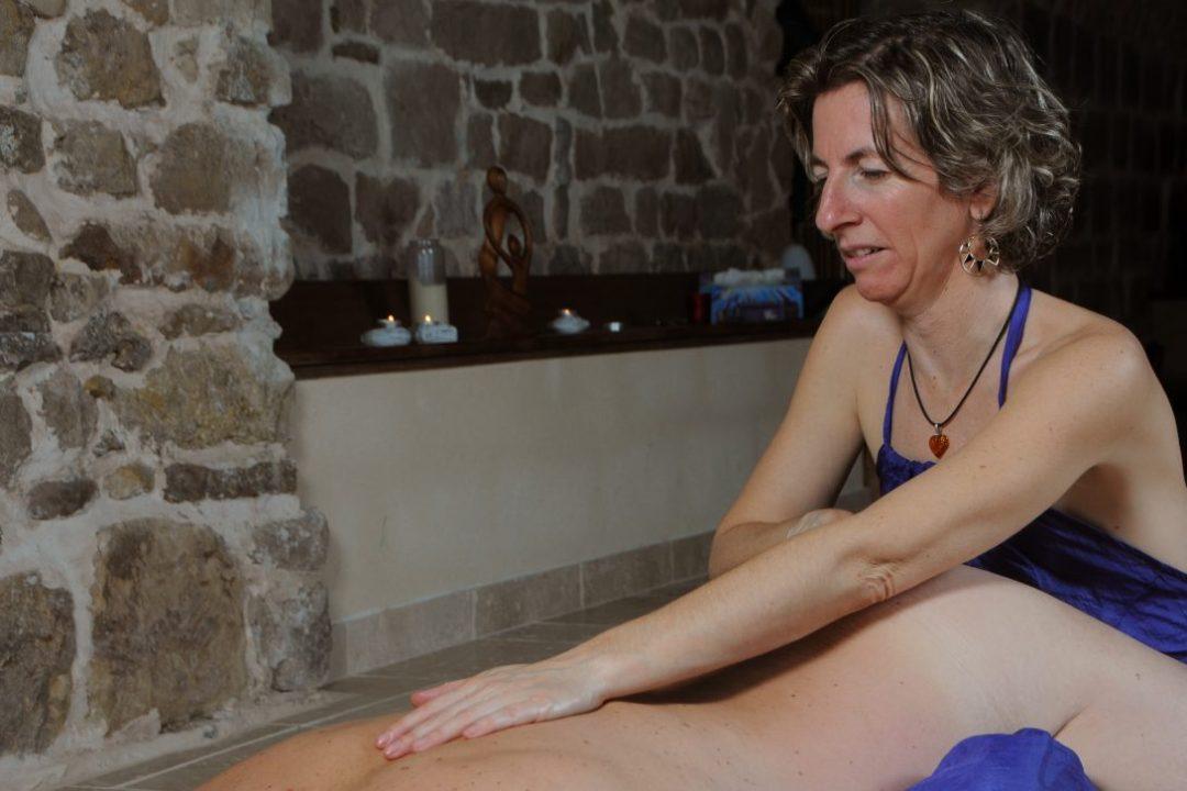 massage tantrique cachemirien