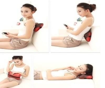 Gối massage Shachu rất tiện lợi