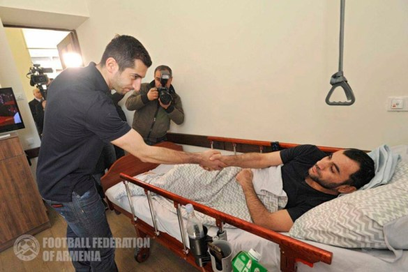Henrikh Mkhitaryan Visits with Wounded Soldiers at Homeland Defender's Rehabilitation Center Donates a Car