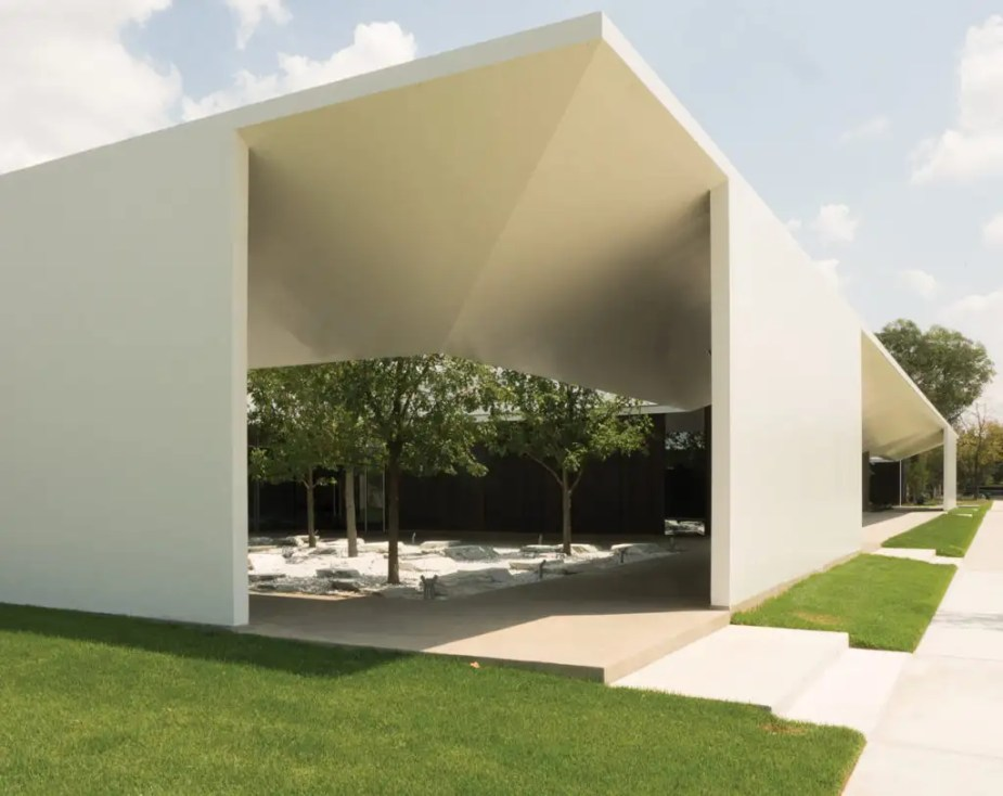 A courtyard at the Menil Drawing Institute. Photo by Giulio Ghirardi for WSJ Magazine.