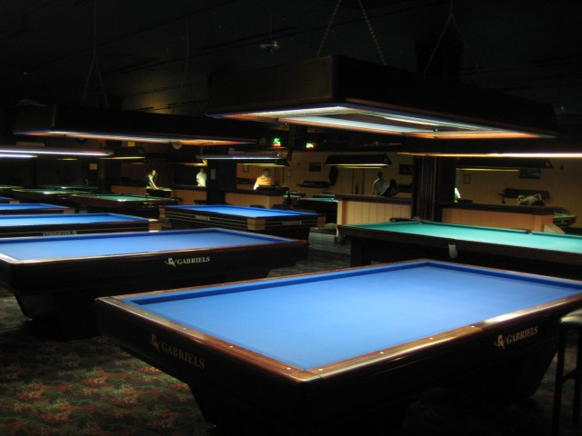 Sorry billiard tables, it was just a one-night stand. The pros went back to pool.