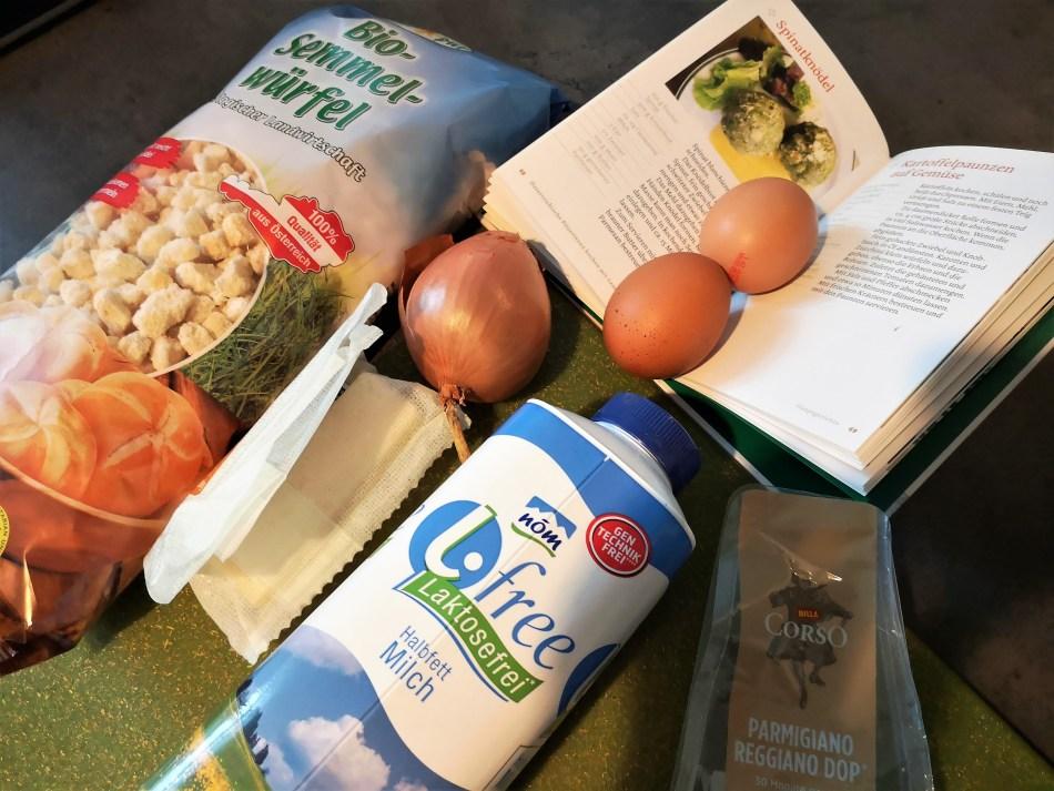 Zutaten für das Rezept liegen am Küchentisch.