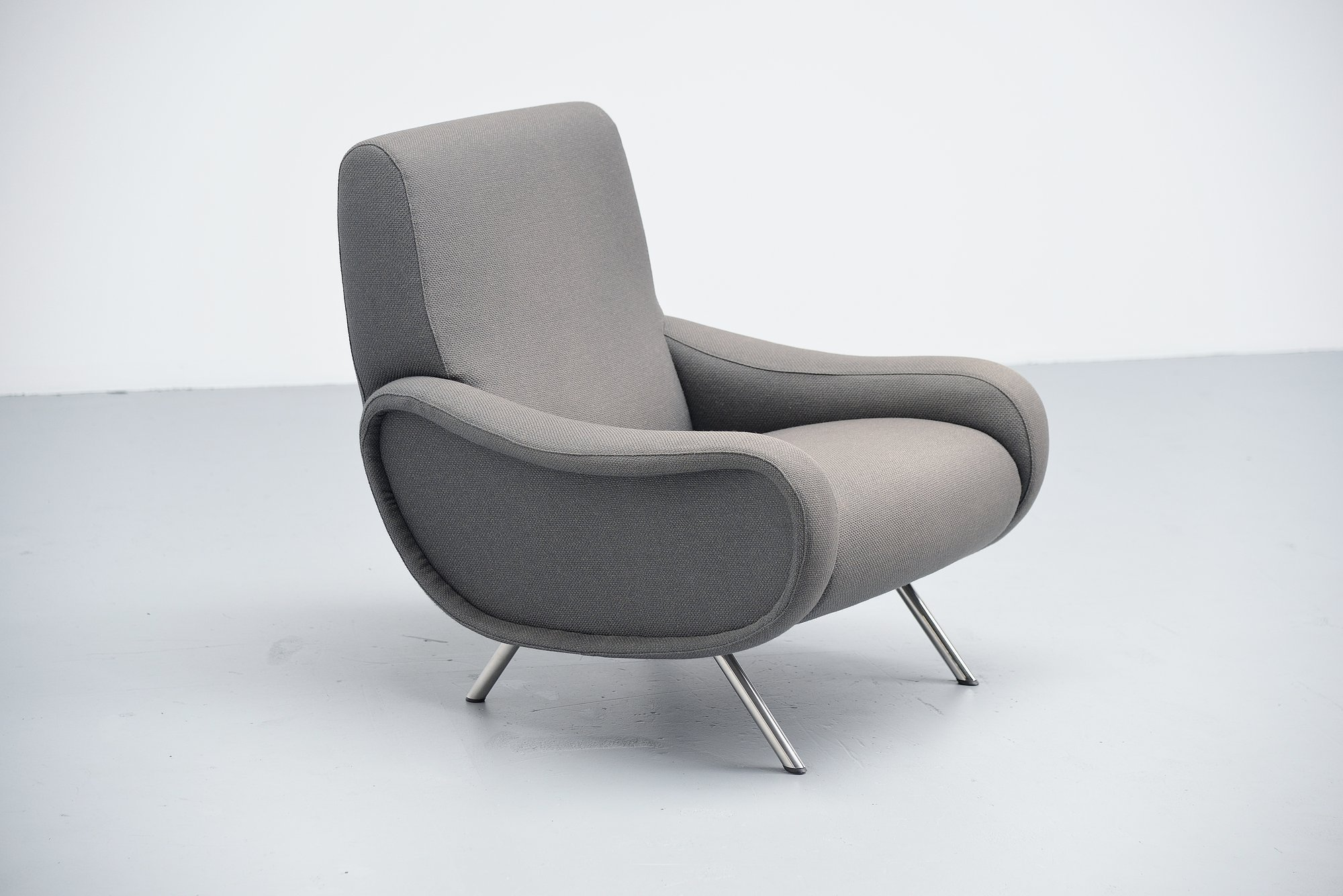 grey upholstered chair white legs chiavari chairs wedding llc marco zanuso lady arflex italy 1951 – massmoderndesign