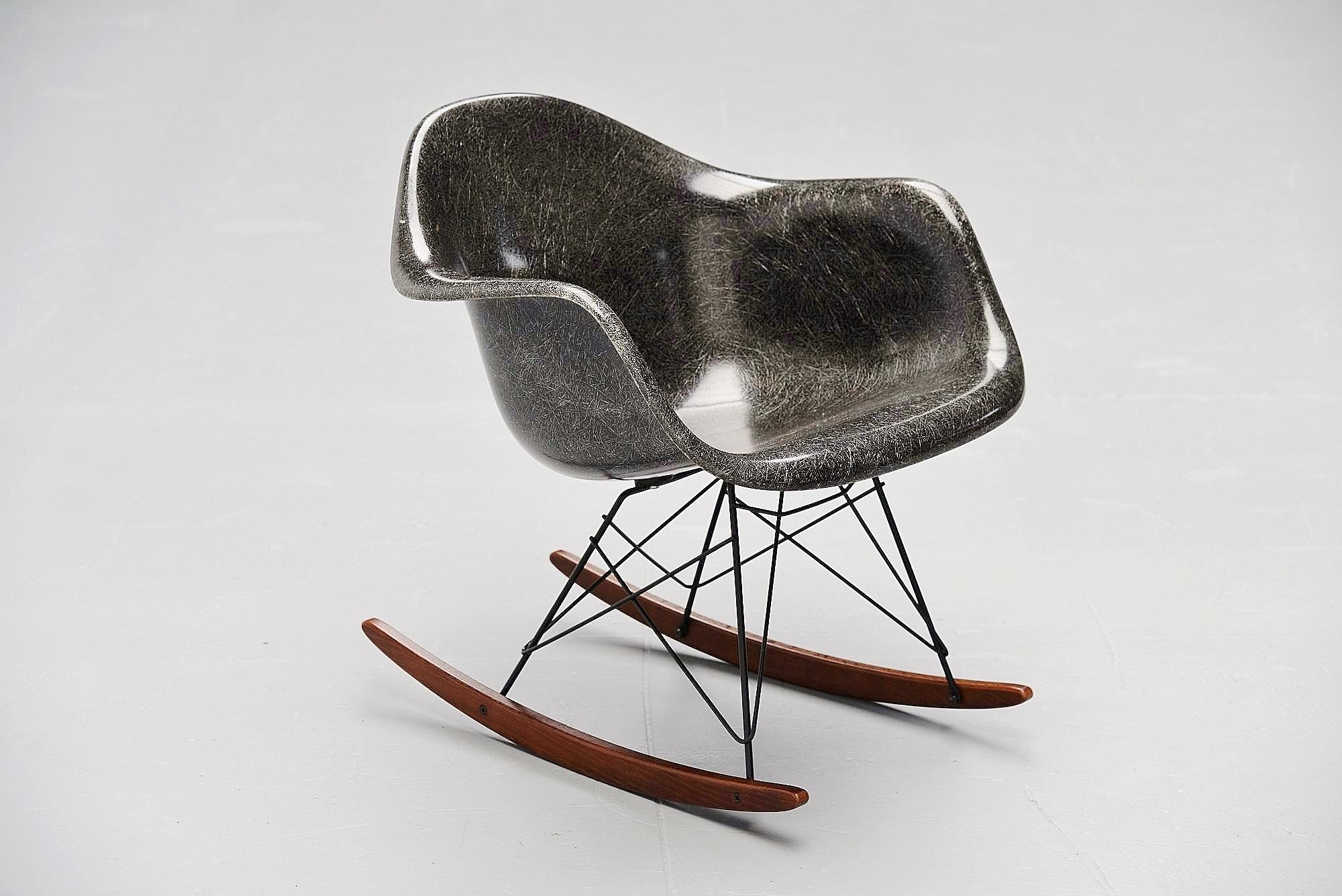 herman miller eames chair replica adirondack patterns curved back charles rar rocking 1965 – massmoderndesign