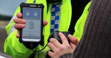 Wah! Polisi di Inggris Bisa Cek Sidik Jari Seseorang Kapan dan Dimana Saja