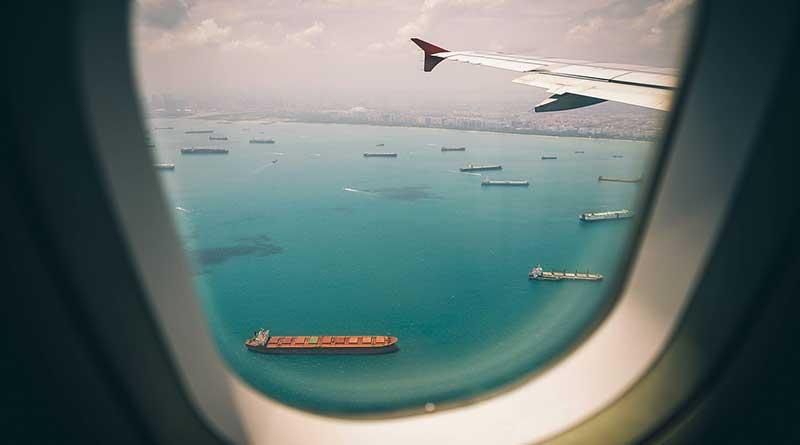 Tidak Matikan Ponsel Saat Penerbangan, Ini yang Akan Terjadi