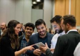 Los eventos de 'networking' dan la oportunidad de aumentar la empleabilidad de Alumni.