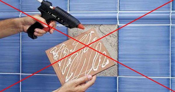 Non incollare piastrelle con pistola adesiva