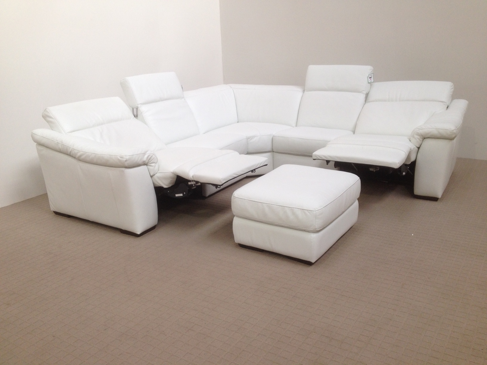 natuzzi electric recliner sofa bloomingdales slipcovers edition sensor b760 reclining corner