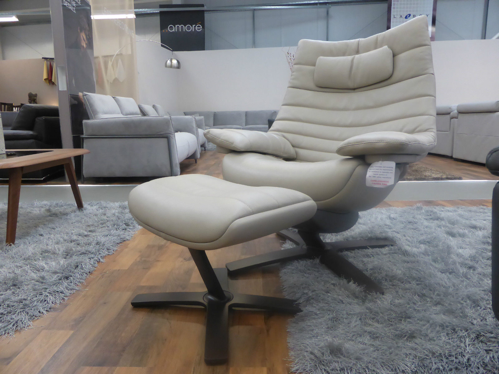 natuzzi revive chair hanging with stand italia re vive lounge queen swivel 605q and