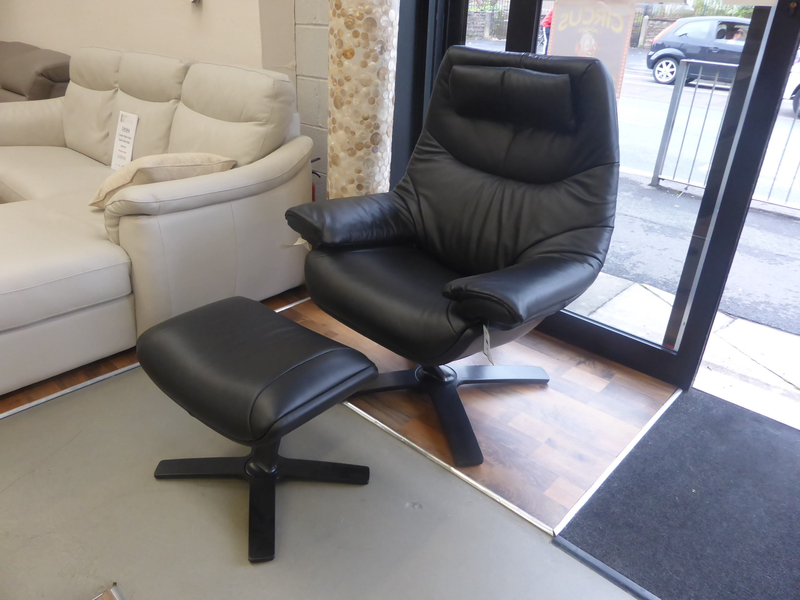 natuzzi revive chair covers for wooden dining chairs italia re vive swivel 602k king and stool