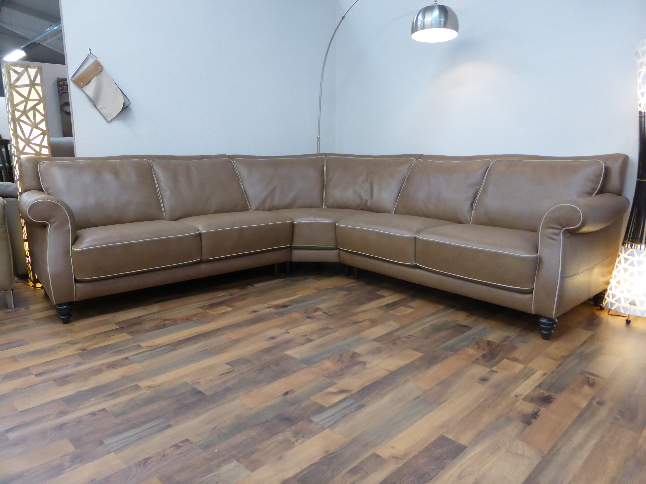 cheap italian leather sofas uk sofa for bedroom sitting area natuzzi editions wexford corner furnimax brands outlet