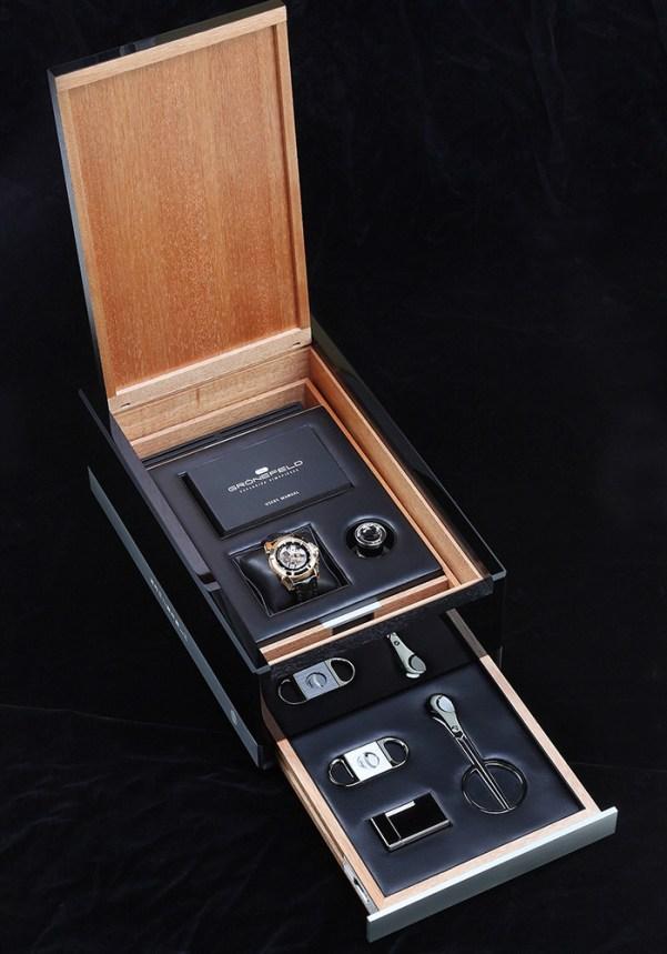 Grönefeld GTM-06 Tourbillon Minute Repeater box
