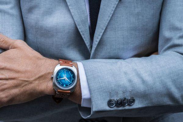 DIRENZO DRZ_02 Limited Edition watch wrist shot