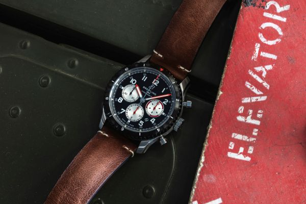 Breitling Aviator 8 Mosquito - Paying Tribute to the British de Havilland Mosquito aircraft