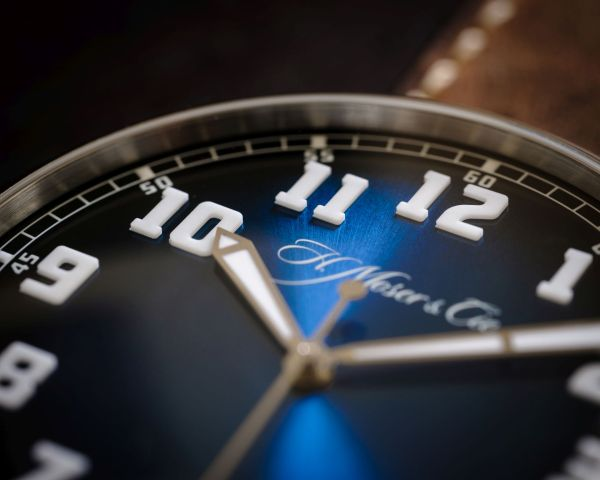 H. Moser & Cie. Heritage Centre Seconds Funky Blue dial