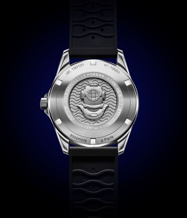 Caseback of Le Forban Sécurité Mer 'Malouine' Limited Edition diving watch. 150 meters water resistance. Stainless steel case with 38.4 mm diameter. Automatic Miyota 8215 movement