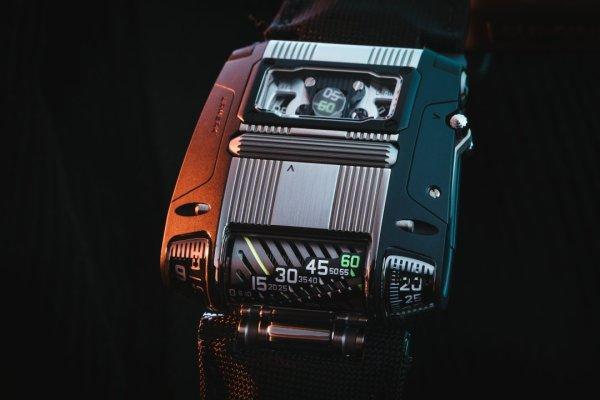 URWERK UR-111C Two-Tone Limited Edition