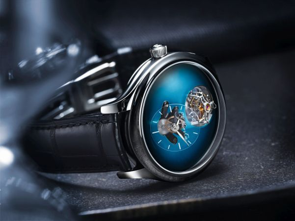Endeavour Cylindrical Tourbillon H. Moser X MB&F Limited edition with Funky Blue fumé dial