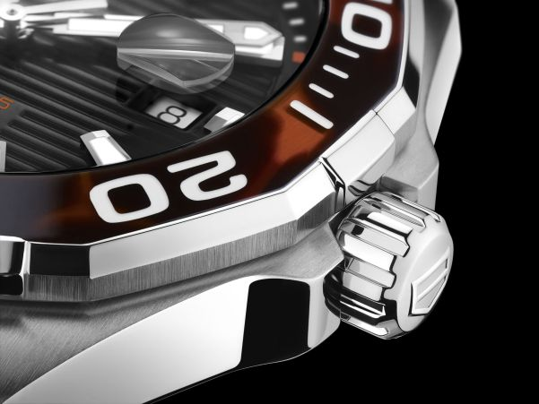 Tag Heuer Aquaracer 43 mm Tortoise Shell Effect Special Edition bezel