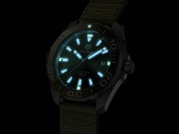 Tag Heuer Aquaracer 43mm Khaki Animation Quartz