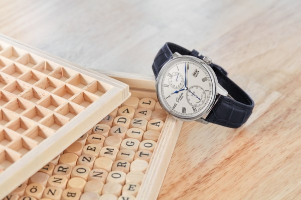 Glashütte Original Senator Chronometer White Gold Limited Edition new model for 2020 with Solid gold, silver-plated dial