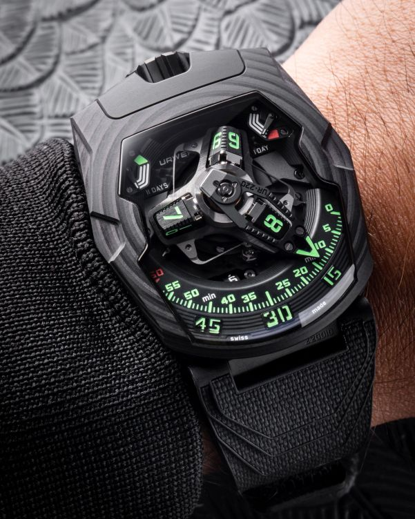 URWERK UR-220 - The Falcon Project, Carbon Edition