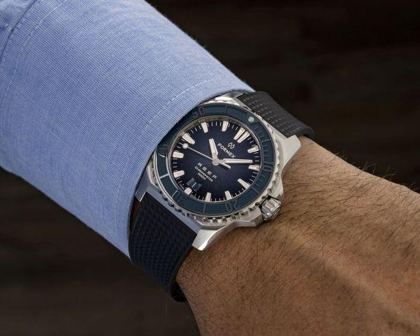 Formex REEF Automatic Chronometer COSC 300M wristshot