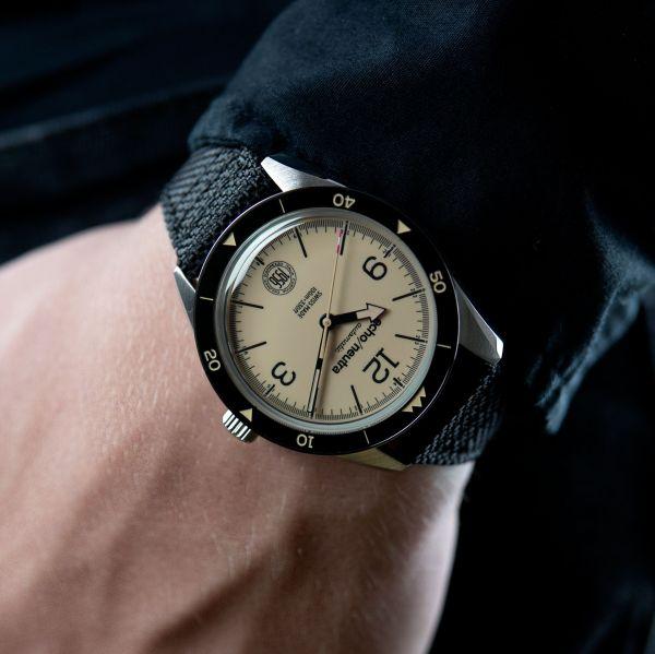 Cortina 1956 3 Hands